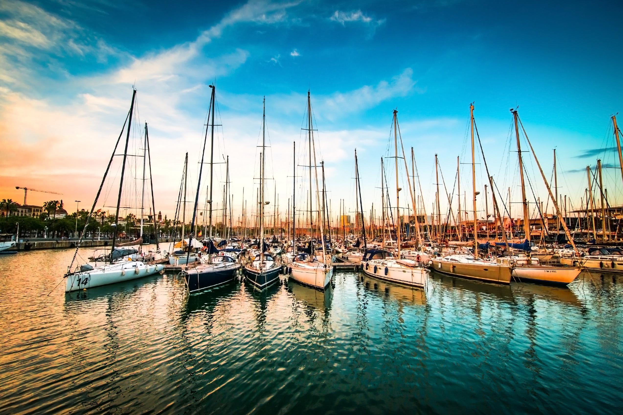 boats-at-sunset